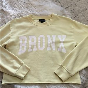 TOPSHOP CROPPED PASTEL YELLOW PULLOVER